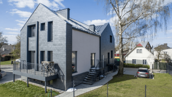 Parduodamas sublokuotas namas